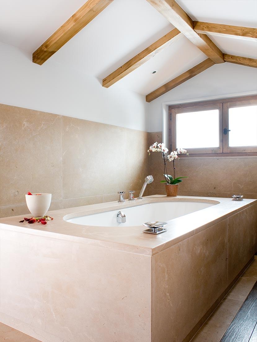 Ski Chalet Bath