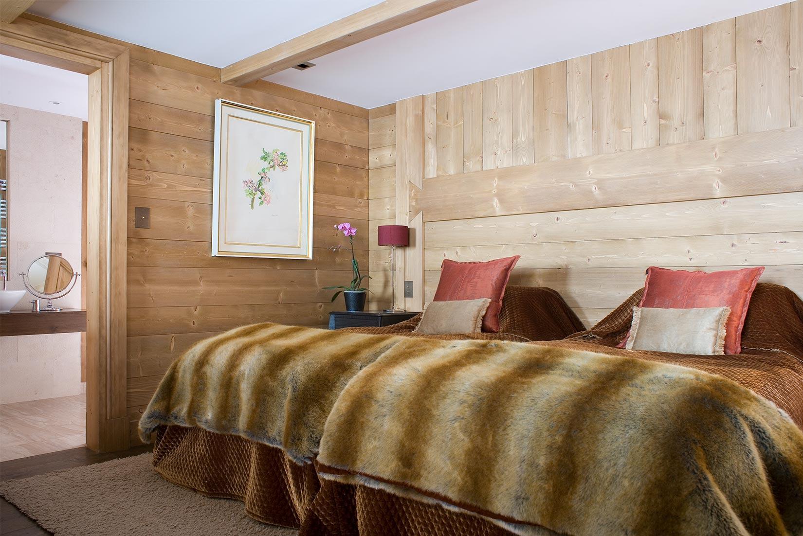 Ski Chalet Twin bedroom